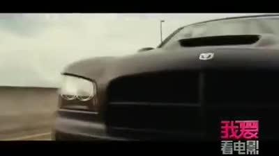 《速度与激情5》讲述一场惊心大劫案