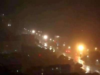 2014年威马逊17级超强台风登录北海场景,中途全城停电