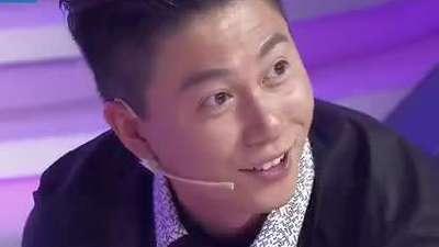 当篮球巨星姚明遇上体操小王子李小鹏 演绎最萌身高差