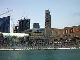 迪拜哈里发塔下的音乐喷泉