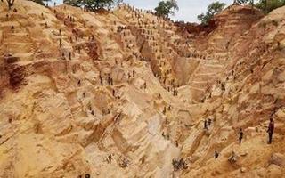 中非共和国食人族_中非共和国金矿坍塌27名矿工丧生